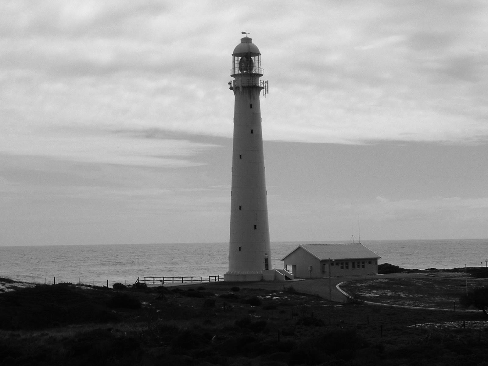 lighthouse-1495186